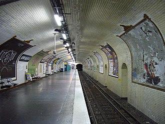 Bonne Nouvelle (Paris Métro) - Image: Metro Paris Ligne 8 Station Bonne Nouvelle (3)