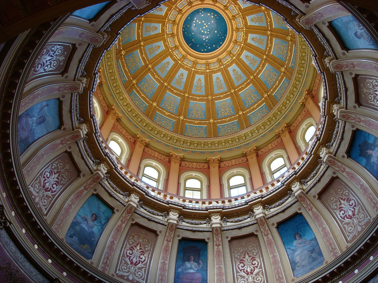 File Michigan State Capitol Dome Wikimedia