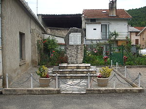 L'Aiguillon - War memorial