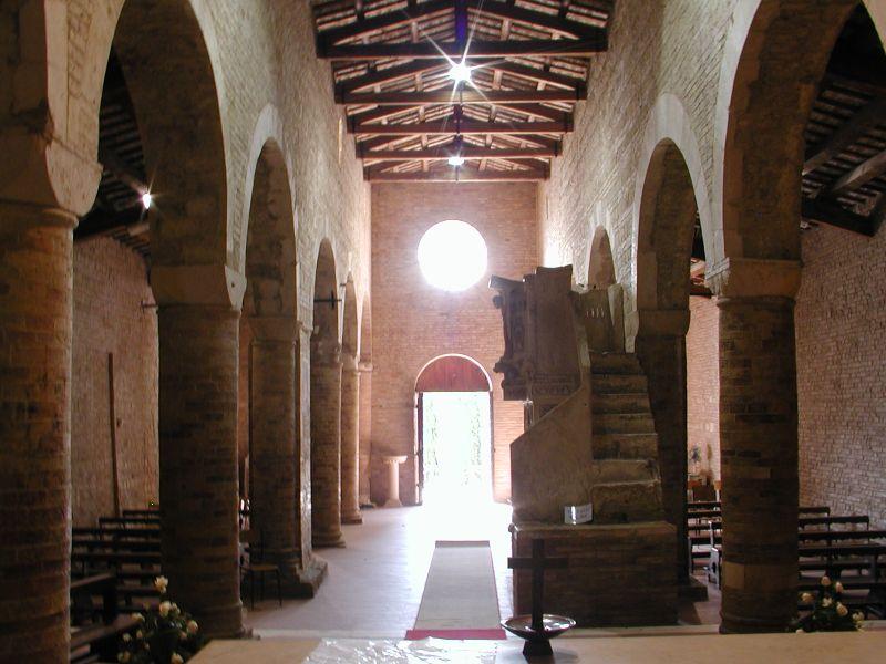 File:Moscufo Santa Maria del Lago 06.jpg