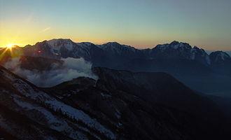 Mount Tate - Mount Tate, Mount Bessan and Mount Tsurugi seen from Mount Kashimayari at sunset