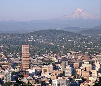 Mount Tabor (Oregon) - Downtown Portland, with Mount Tabor (center) and Mount Hood in the distance