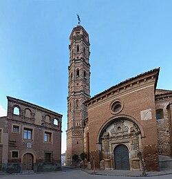 Muniesa - Ditputación de Aragón e Iglesia de Nuestra Señora de la Asunción.jpg