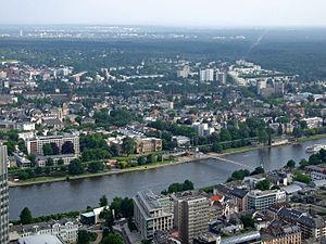 Sachsenhausen (Frankfurt am Main) - Image: Museumsufer teil 3 ffm 001