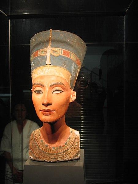 Fitxer:Nefertiti.JPG