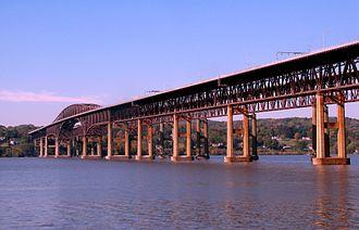 Newburgh–Beacon Bridge - Image: Newburgh Beacon Bridge 2