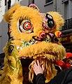 Nouvel an chinois 2015 Paris 13 danse du lion toucher tete.jpg