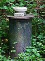 Nummeriertes Objekt im Wald.JPG