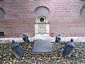 Olfert Fischer m-families gravminde (Reformert Kirke).JPG