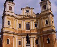 Oradea Roman-Catholic Basilica.jpg