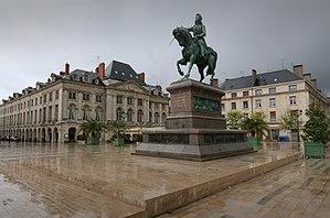 Statue équestre de Jeanne d'Arc, place du Martroi