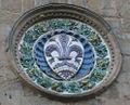 Orsanmichele, Robbiana con simbolo di Firenze.JPG