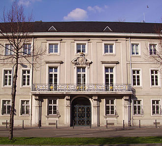 Peter Anton von Verschaffelt - Image: Palais Bretzenheim Eingang