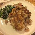Pan fried chicken thighs, quinoa and bean risotto, microgreens salad 鳥もも肉の焼き揚げ、キヌアと豆のリゾットもどき、マイクログリーンのサラダ.jpg
