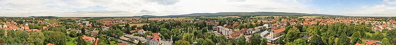 File:Panorama von Wennigsen.jpg