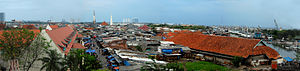 Maritime Museum (Indonesia) - Panoramic view of Maritiime Museum (left) and Sunda Kelapa port (right) seen from the Harbormaster Tower. View is towards south