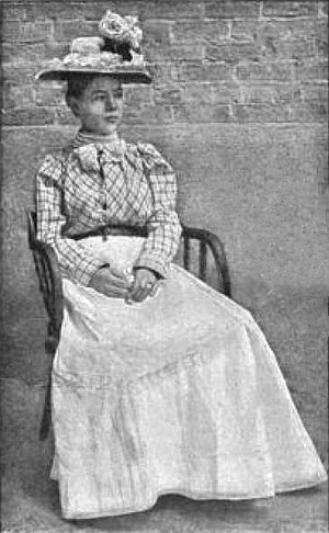 Pearl Hart - Pearl Hart attired in women's clothing