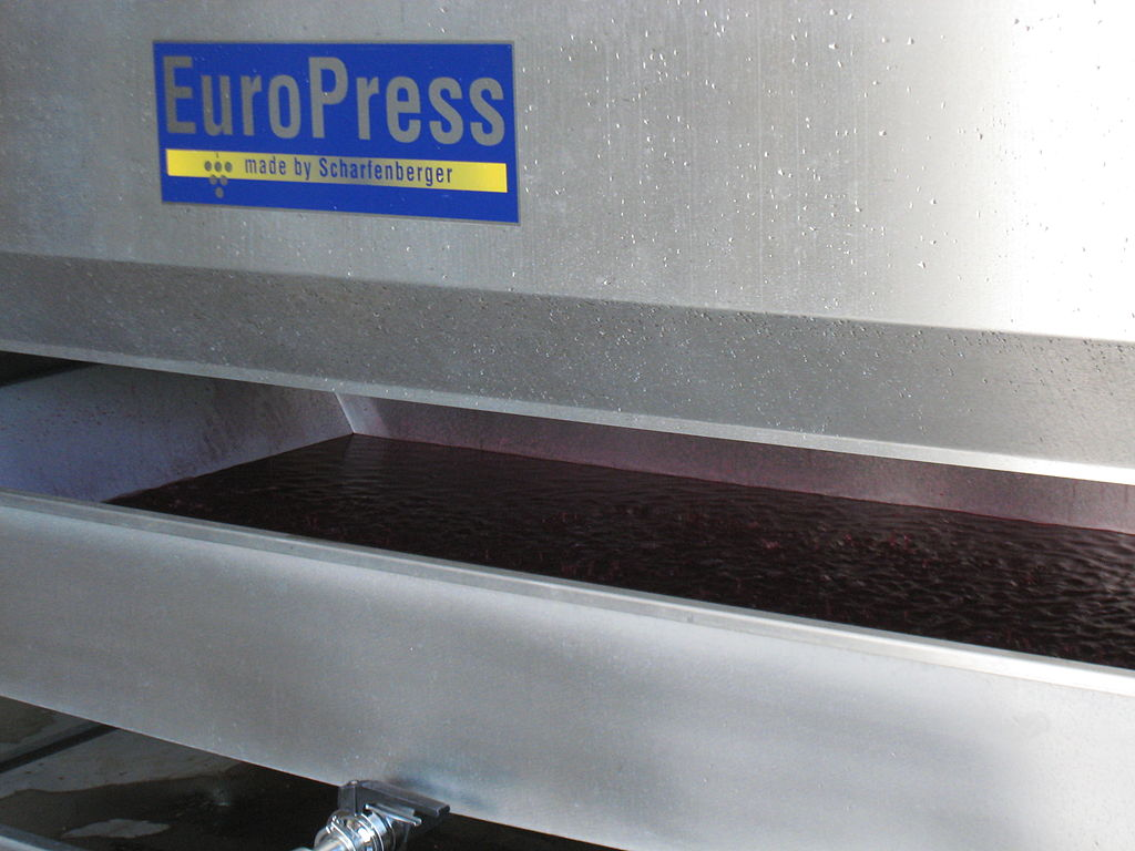 File:Penner Ash Winery - Oregon - the wine press pan
