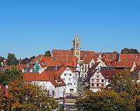 Pfullendorf Innenstadt - St. Jakob im Stadtbild.JPG