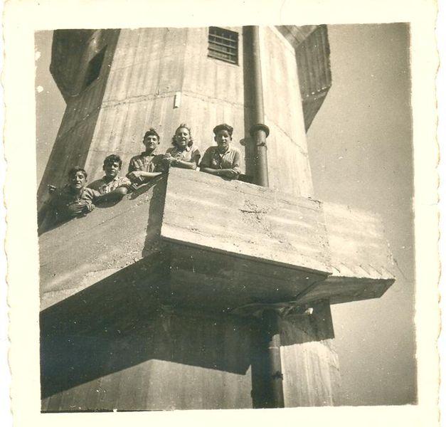 על מגדל המים בקרית בנימין