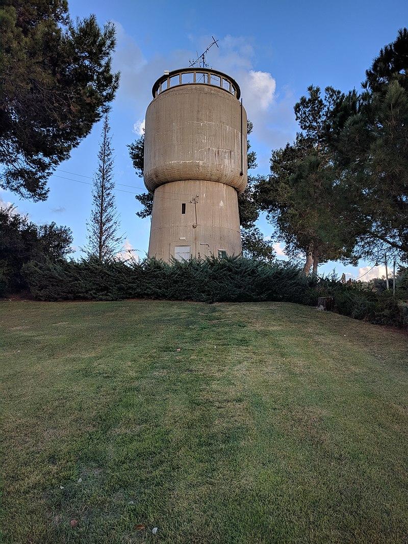 מגדל המים של בית יצחק