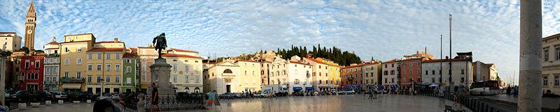 Datei:Piran Tartini-Platz Panoramabild.jpg