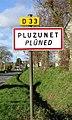 Pluzunet. Panneau d'agglomération.jpg