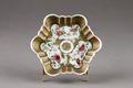 Porslinsfat gjort i Kina på 1700-talet - Hallwylska museet - 96125.tif