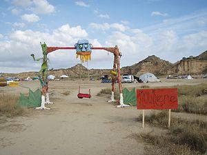 Porte d'entrée du site en 2009 (gate).jpg