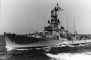 Portuguese frigate Almirante Magalhães Correia (F474) underway at sea.jpg