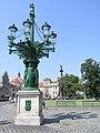 Praha, Hradčanské náměstí - kandelábr.jpg
