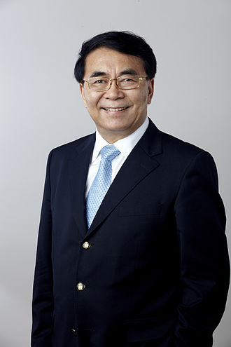 Bai Chunli - Bai Chunli in 2014, portrait via the Royal Society