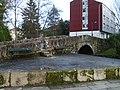 Puente de piedra sobre el rio Sarela - Rua Carme de Abaixo - Santiago de Compostela - 01.JPG