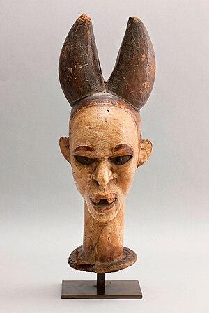 Raccolte Extraeuropee - Passaré 00095 - Maschera cimiero Ejagham - Nigeria.jpg