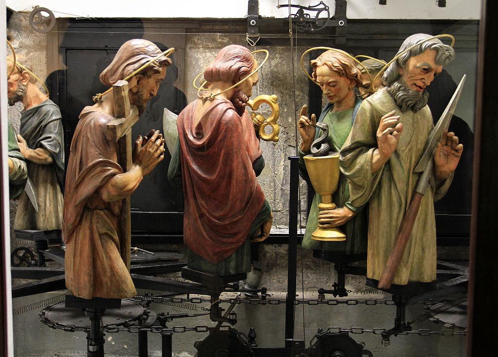 Dans les coulisses de l'horloge astronomique de l'hotel de ville de Prague : Les statues des apôtres en bois  - Photo de Ondřej Kořínek