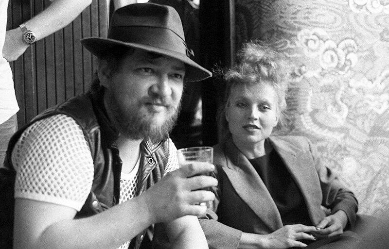 File:Rainer Werner Fassbinder & Hanna Schygulla 02.jpg