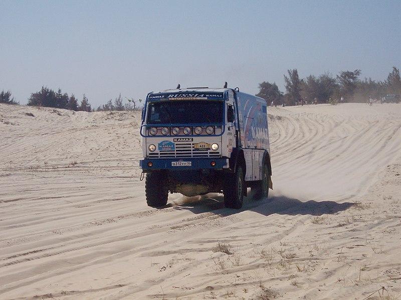 kamaz truck russia  dakar  800px-Rallye_Lac_Rose_097