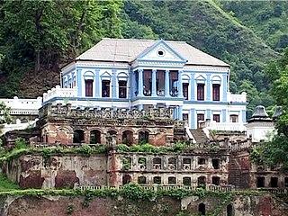 Ranighat Palace ராணிமஹால்  நேபாளத்தில், பல்பா மாவட்டம், காளிகண்டாகிஆற்றின்  அருகில் ராணா மாளிகையிலுள்ளது.