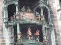 File:Rathaus-Glockenspiel (München) (2).ogv