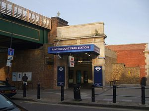 Ravenscourt Park tube station - Ravenscourt Park main entrance