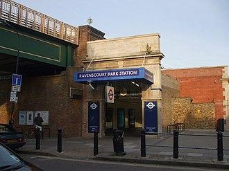 Ravenscourt Park tube station - Ravenscourt Park main entrance