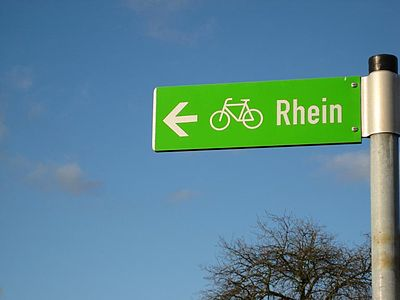 RoadSignCycleTrackRhine.jpg