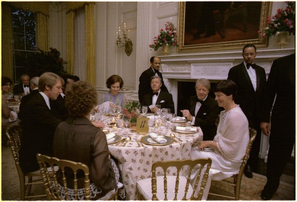Rosalynn Carter and Jimmy Carter host state dinner for German Chancellor Helmut Schmidt and Mrs. Helmut Schmidt. - NARA - 175460