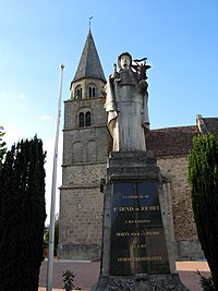Saint-Denis-de-Jouhet Monument-aux-morts et clocher 1.jpg