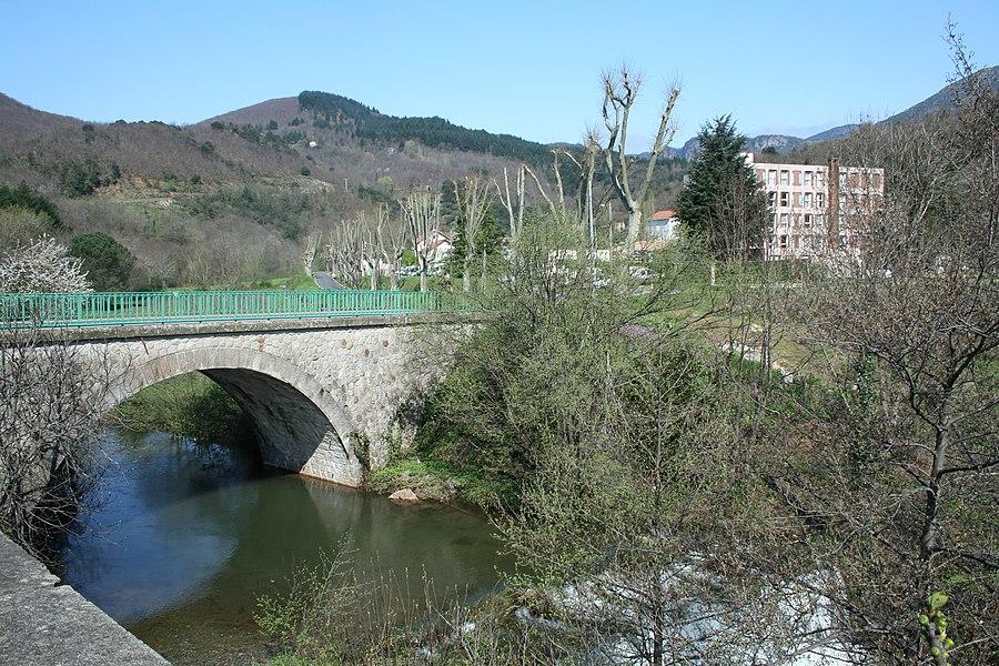 Saint-Geniès-de-Varensal (Hérault) - pont sur la rivière du Bouissou, près d'Andabre.