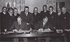 Saltsjöbaden Agreement - Signing of the Saltsjöbaden Agreement. August Lindberg of LO sitting to the left and Sigfrid Edström of SAF sitting to the right.