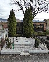 Grabstätte von Erich und Margaretha Eleonore Schenk auf dem Salzburger Kommunalfriedhof. (Quelle: Wikimedia)