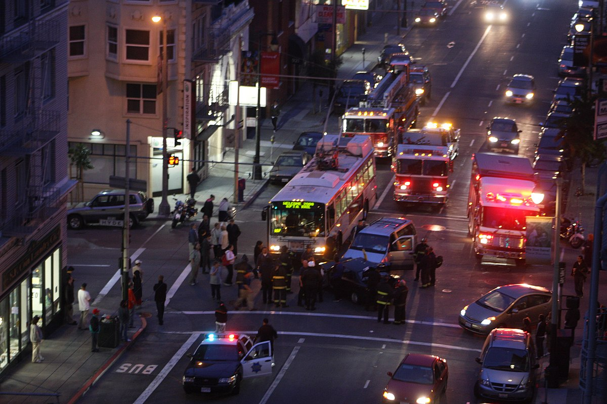 San francisco three vehicle crash.jpg