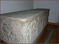 Sarcófago de Doña Sancha de Aragón.jpg