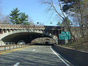 Saw Mill River Parkway - The Saw Mill River Parkway approaching exit 30, Grant Street, in Pleasantville